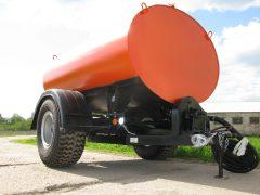 Польвомоечный прицеп для трактора