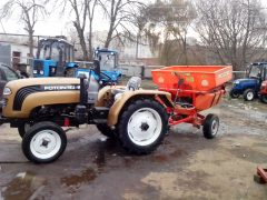 Разбрасыватель песка прицепной к трактору