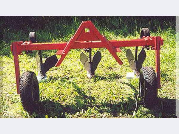 Тракторный окучник своими руками